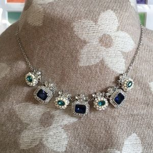 Vintage-inspired fashion necklace